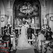 chiesa di san pancrazio all'isola farnese servizio fotografico di matrimonio